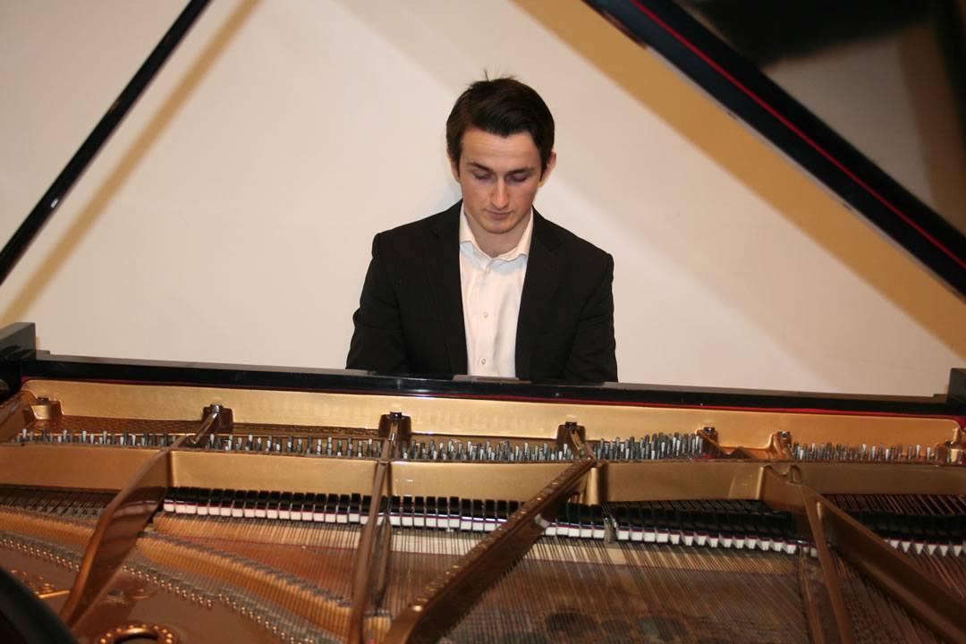 New Master Alexander Beyer op Radio 4